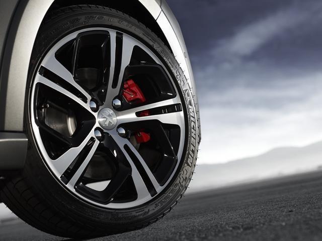 Peugeot 208 GTi alloy wheels