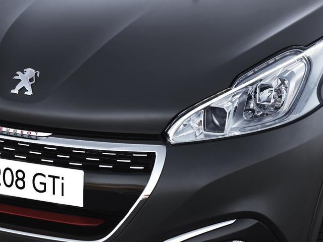 Peugeot 208 GTi chrome radiator grille