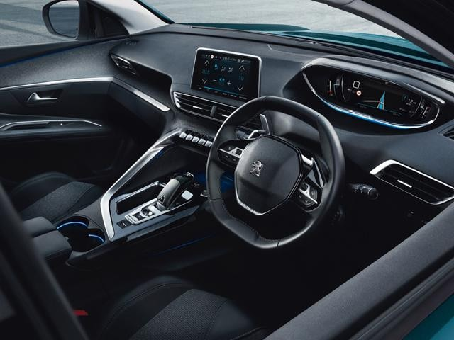 New 5008 SUV interior dashboard welcome page