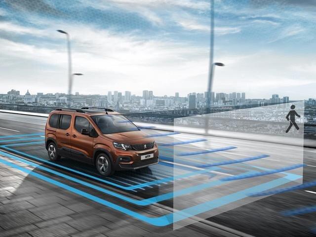 All new Peugeot Rifter Distance Alert
