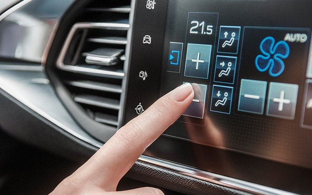 /image/86/7/new_peugeot_308_sw_colour_touch_screen_section.102867.jpg