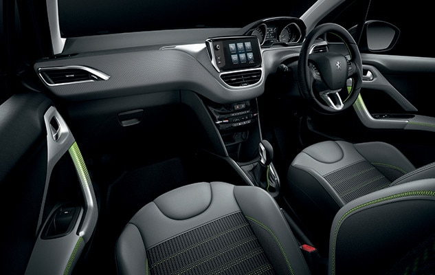 peugeot 208 | 5-door | interior comfort - peugeot uk