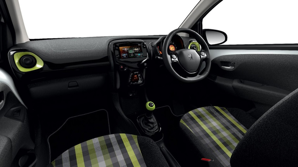 Peugeot 108 - Ambience Green pack