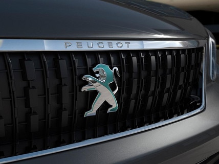 New Peugeot e-Traveller - Dichroic lion on the front grille