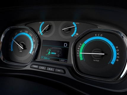 New Peugeot e-Traveller - specific new instrument panel