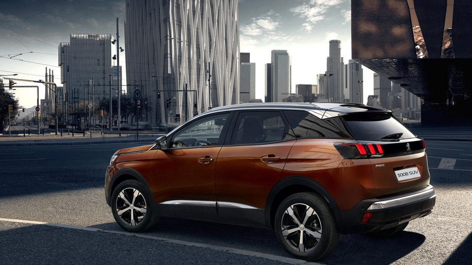Peugeot all-new 3008 SUV gallery city