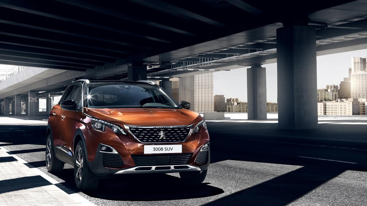 Peugeot 3008 SUV front view