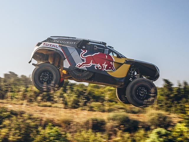 Peugeot 3008 DKR Maxi jump